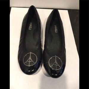 Van Eli black leather ballet flats NWOT